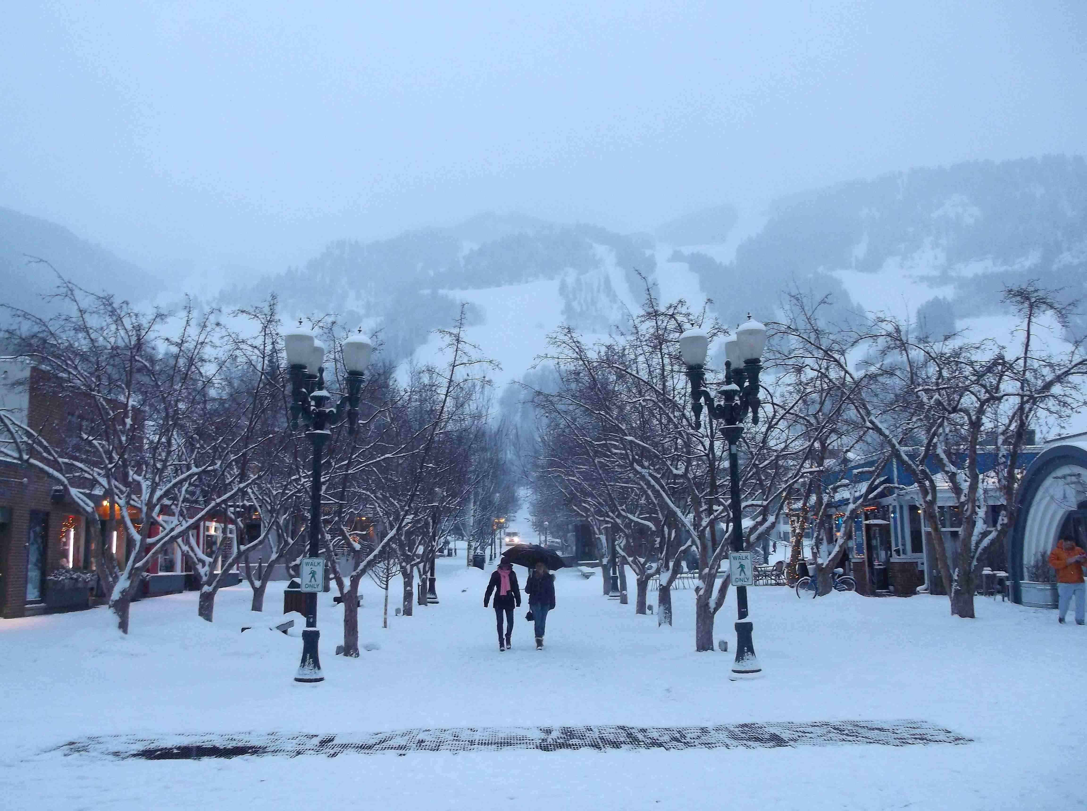 Aspen's Mall in snow
