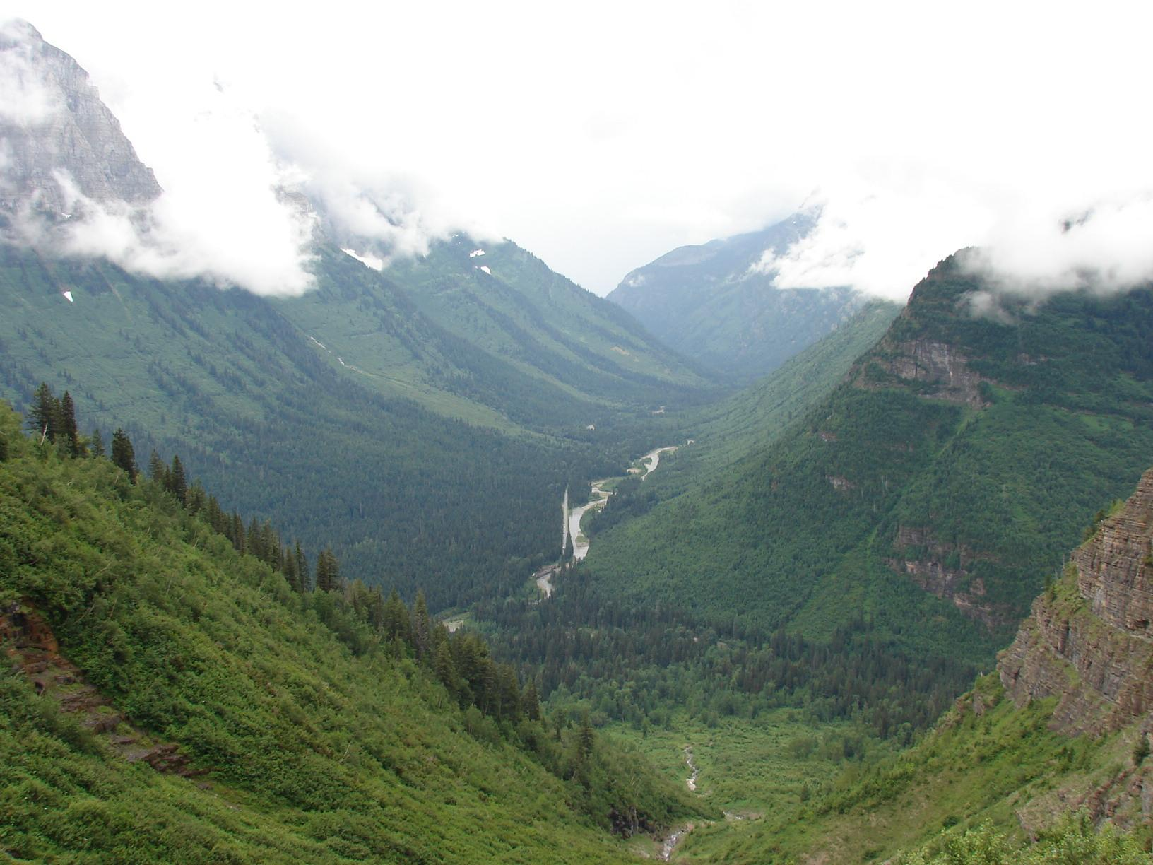 U-shaped glacial valley