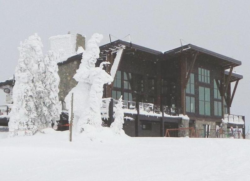 New Lodge at Schweitzer