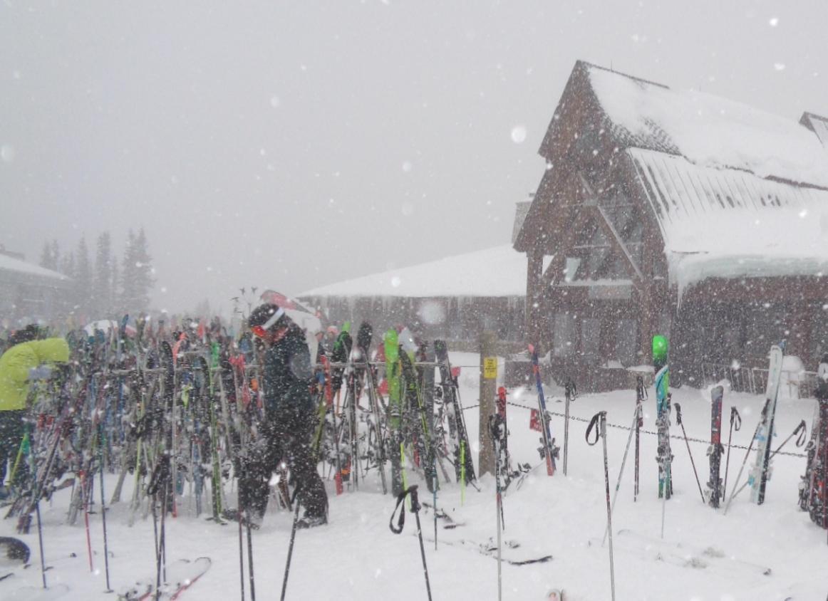 Aspen Sundeck in Snow